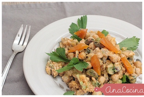 Ensalada  de pavo, duraznos y pistachos