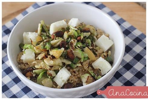 Quinoa con jalapeños y coles de bruselas